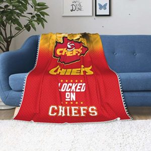 Fleece Throw Blanket with Pompom Fringe